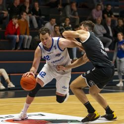 WEERT, NETHERLANDS - SEPTEMBER 29: Noah Dahlman of Hammers, Marijan Obad of BAL during the BNXT League basketball match between BAL and Landstede Hammers at sports hall Boshoven on September 29, 2021 in Weert, Netherlands (Photo by Frank Kerbusch/Orange Pictures)